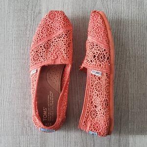 Toms Moroccan Crochet Coral Flats
